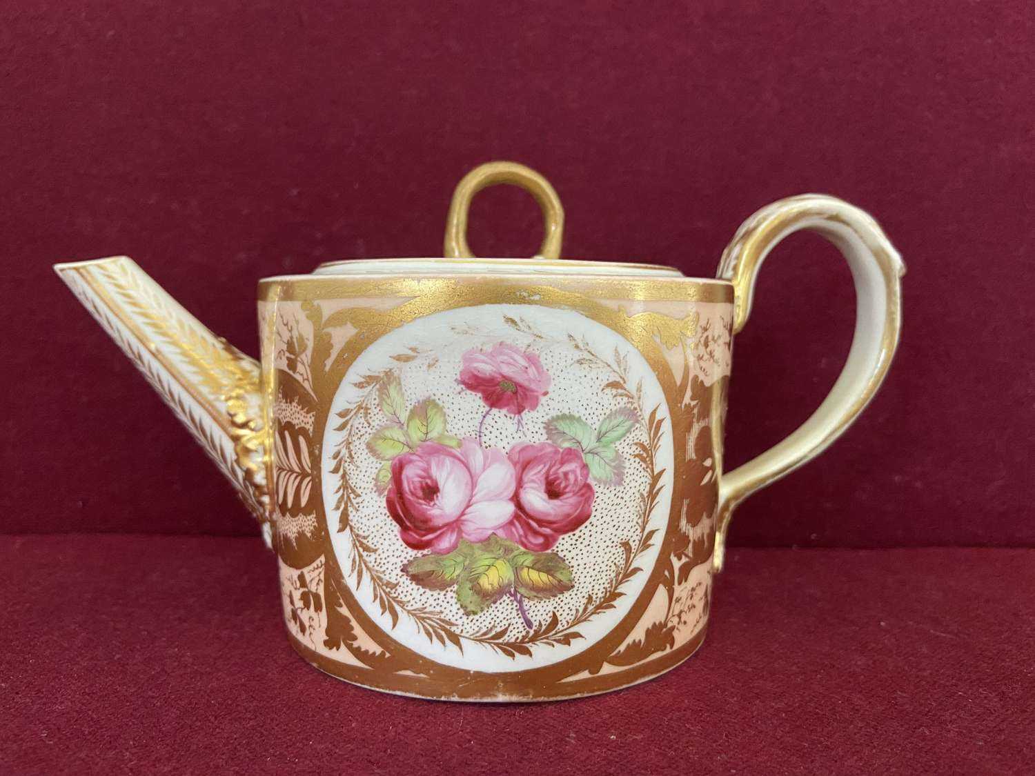 A small Derby Teapot c.1800