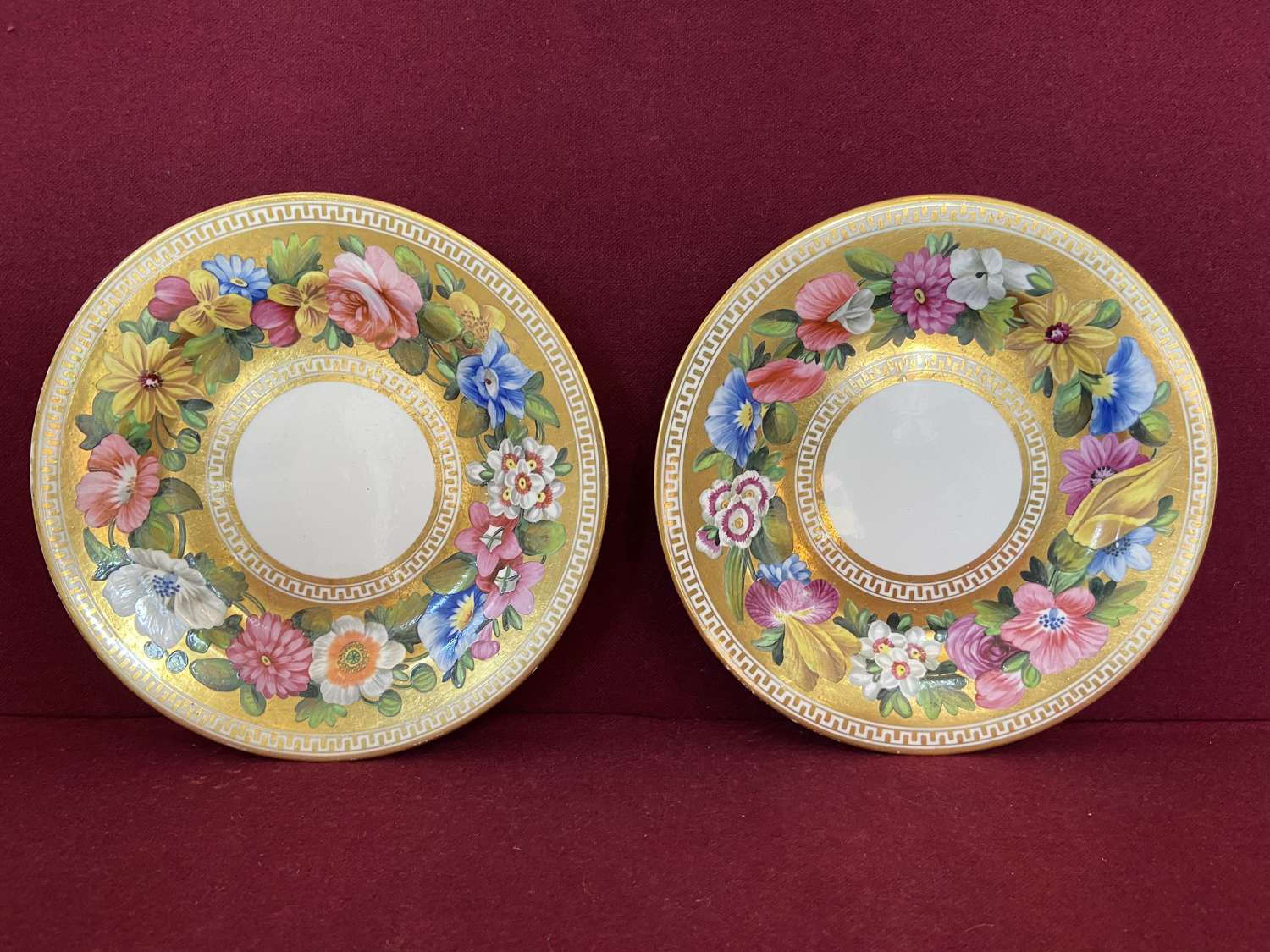 A fine pair of Spode Tea Plates c.1815 decorated in pattern 2049