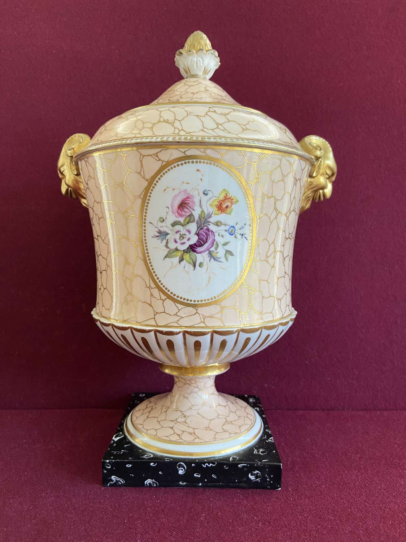 A rare Chamberlain Worcester 'Regent' shape vase c.1810