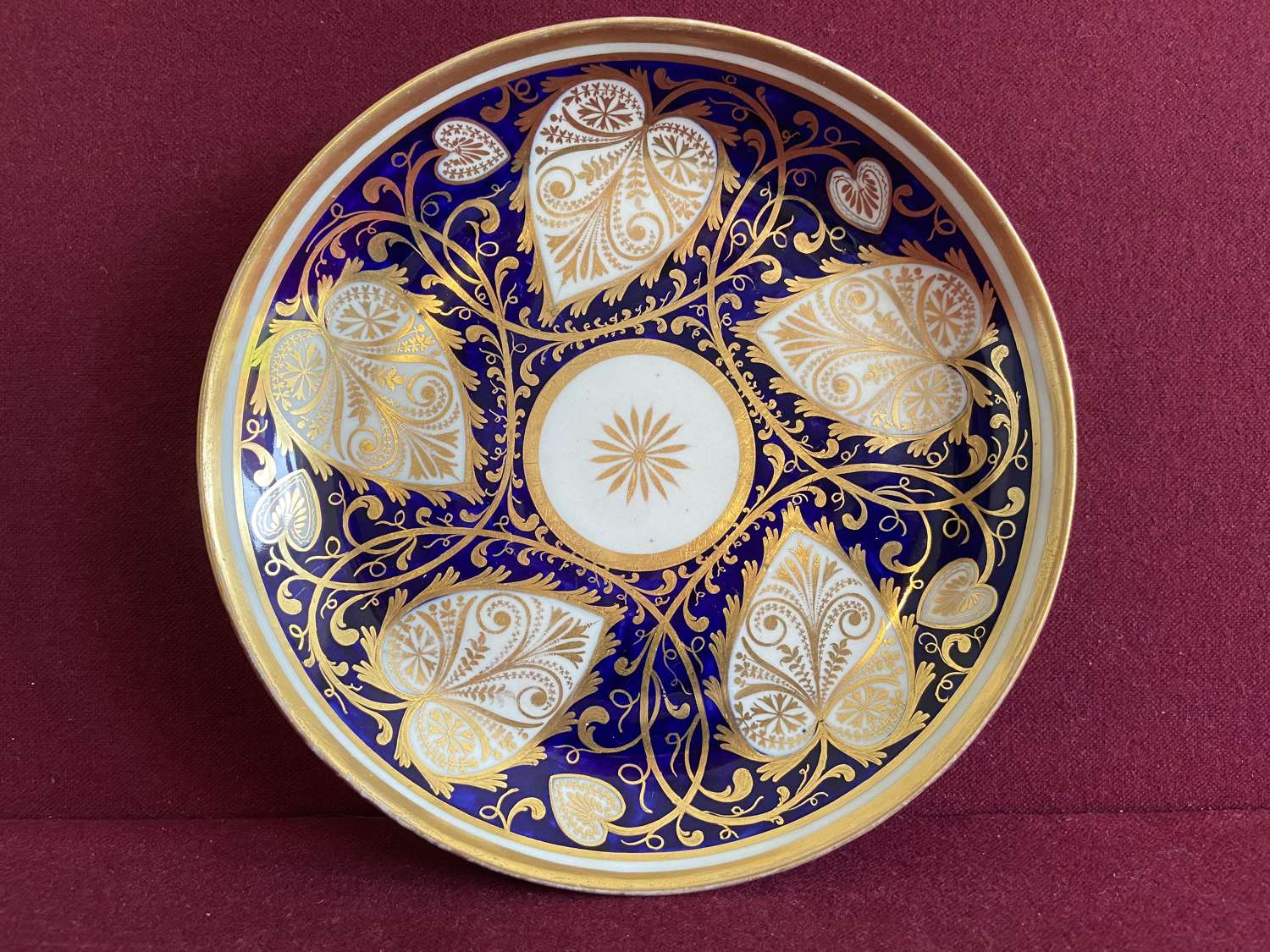 A New Hall Saucer Dish decorated in pattern 566 c.1805