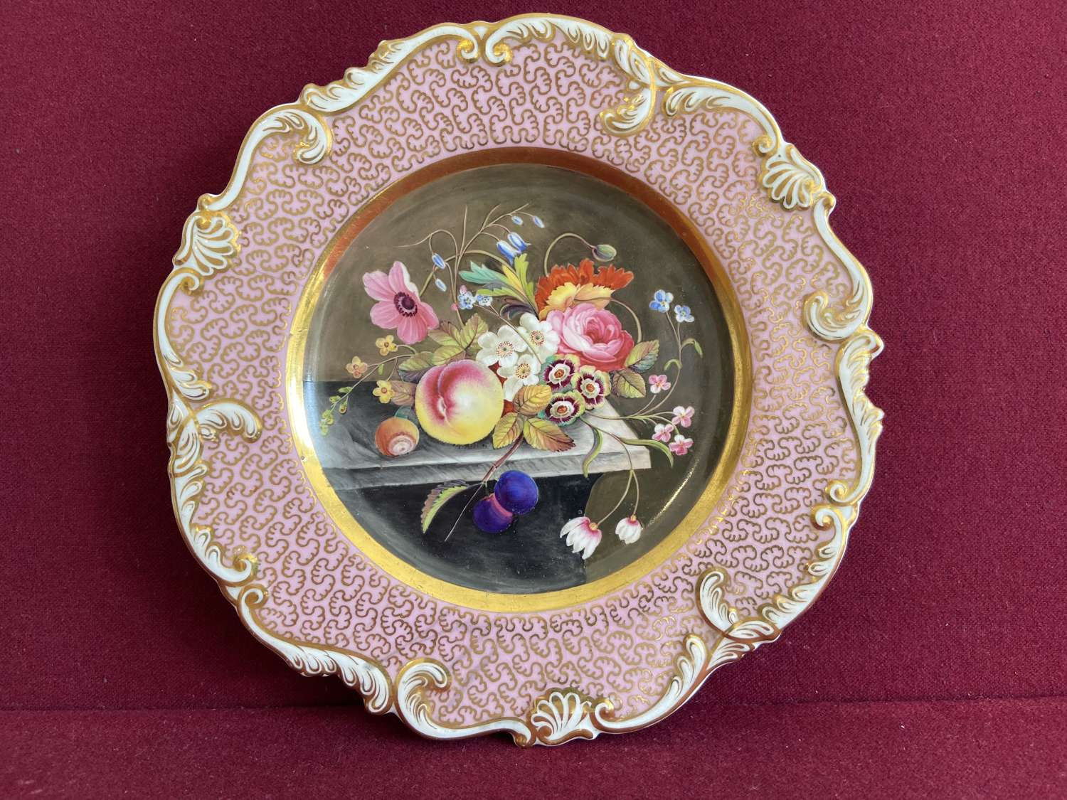 A fine Chamberlain Worcester Cabinet Plate c.1825-30