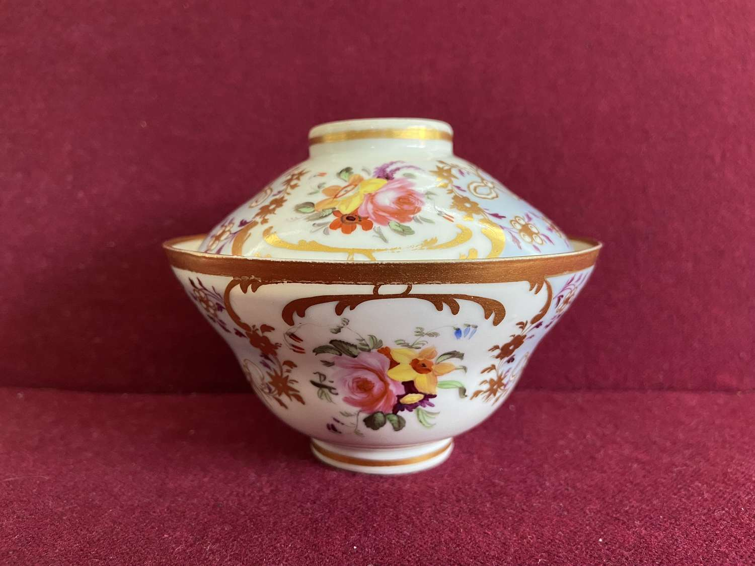 A Chinese Porcelain Rice Bowl with English Decoration c.1815